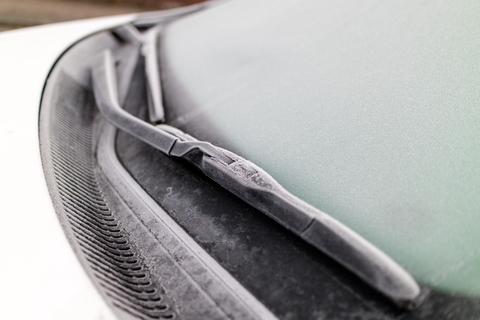 defrosting a windscreen